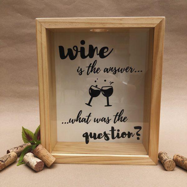 Alcancía para corchos wine is the answer